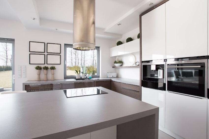 Een keuken met slimme apparatuur