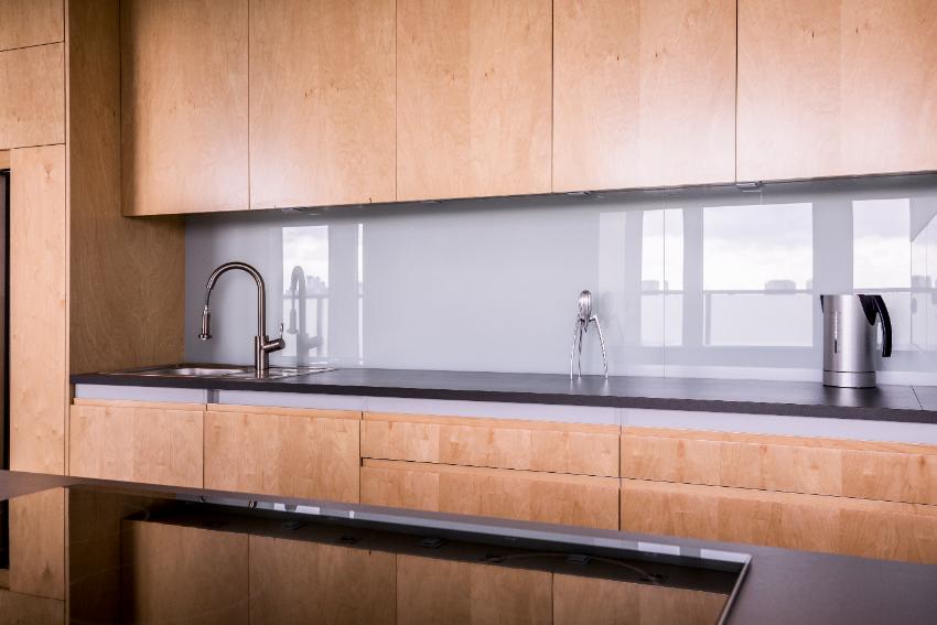 houten keuken zwart blad